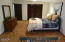 5610 Hacienda Ave, Lincoln City, OR 97367 - Extra large Master bedroom with bath