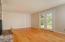 1829 SE Emerald Ct, Toledo, OR 97391 - Living Room