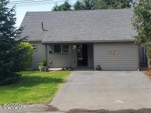 2165 NE Reef Ave, Lincoln City, OR 97367 - Front