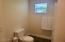 2165 NE Reef Ave, Lincoln City, OR 97367 - Has a tub
