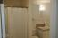 2165 NE Reef Ave, Lincoln City, OR 97367 - Step in shower