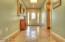 1015 NE Laurel Ct, Newport, OR 97365 - Entry
