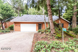 1635 SW Tintinnabulary Pl, Depoe Bay, OR 97341 - Front of Home