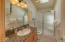 5362 SW Pacific Coast Hwy, Waldport, OR 97394 - upper level bath