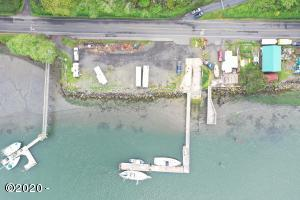 4504 Yaquina Bay Rd, Newport, OR 97365 - 4504 Drone 4