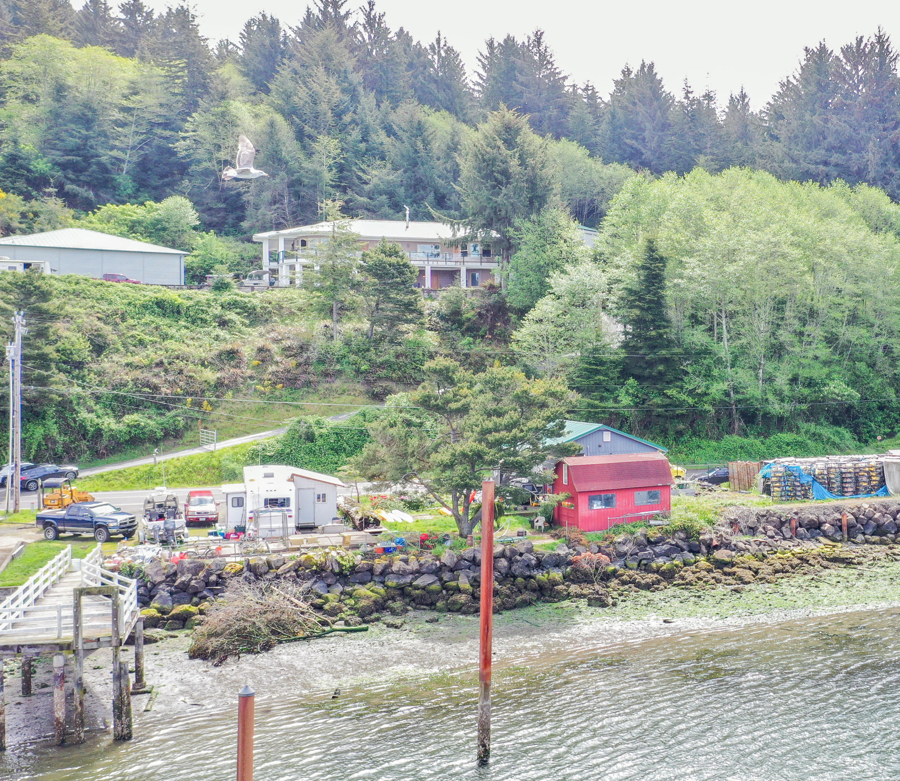 4532 Yaquina Bay Rd, Newport, OR 97365 - 4532 bay