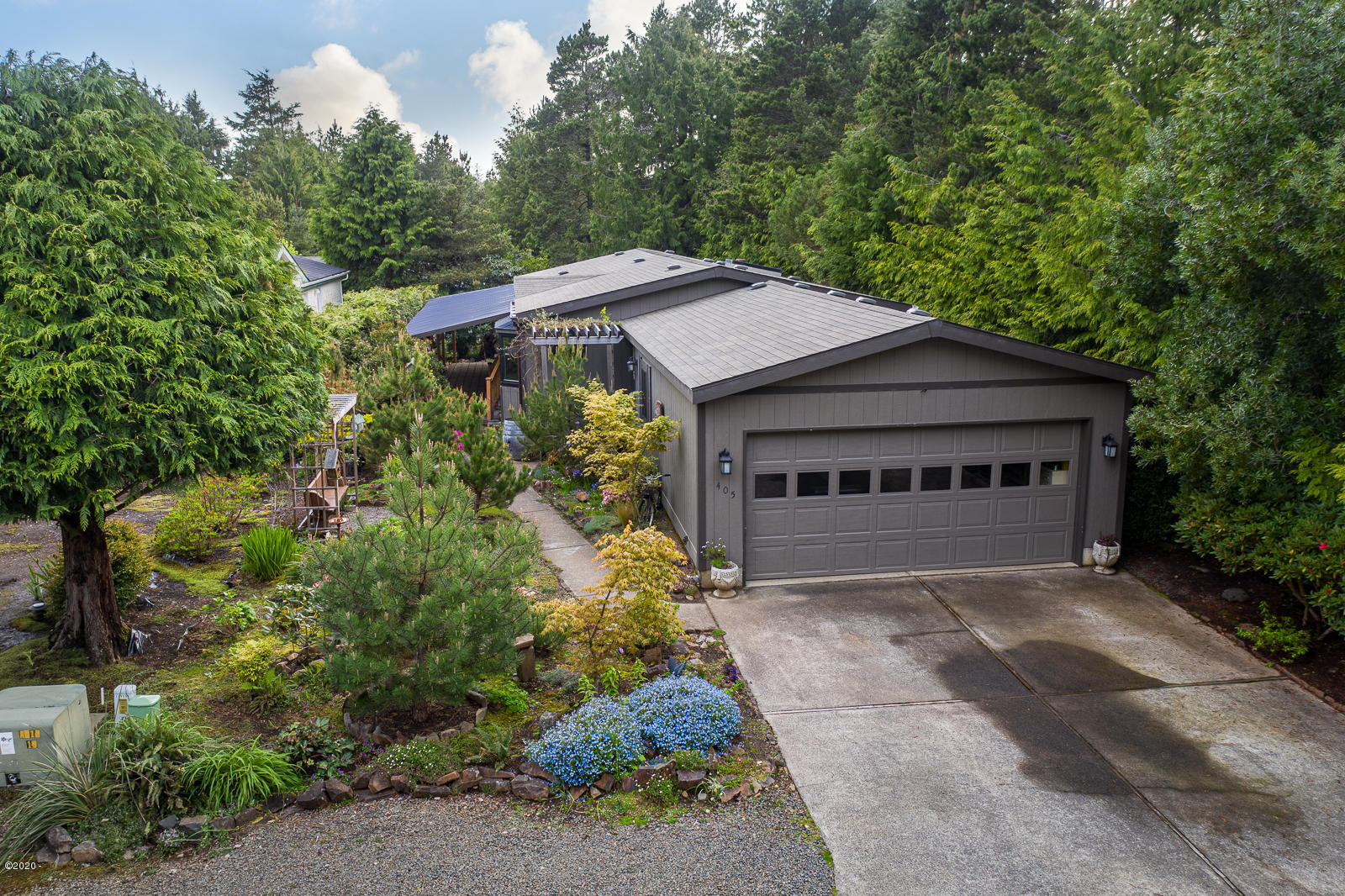 405 Seagrove Loop, Lincoln City, OR 97367 - 405SeaGrove-01