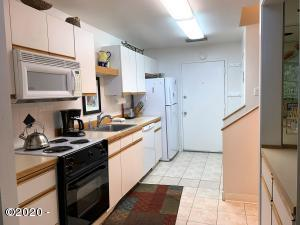 301 Otter Crest Dr, 260-261 1/12 SHARE, Otter Rock, OR 97369 - kitchen
