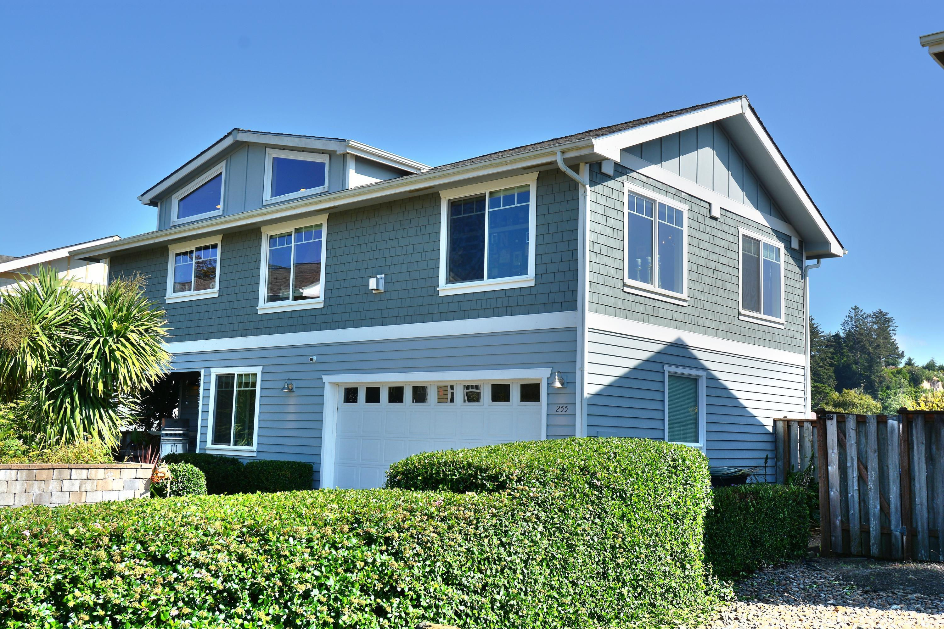 255 NW Fayette St, Waldport, OR 97394 - Front Of The Home