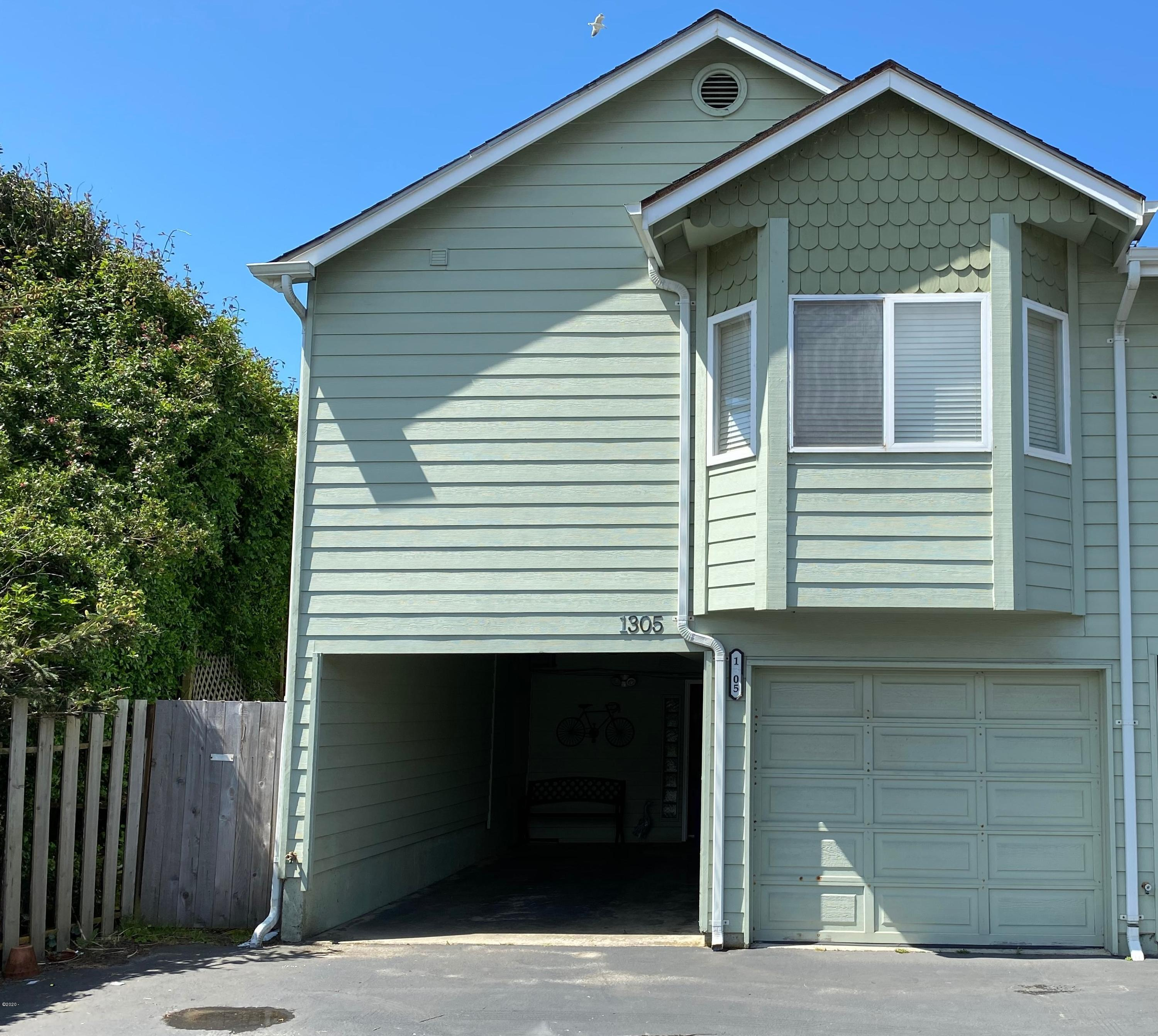 1305 NW Harbor Ave, Lincoln City, OR 97367 - Exterior photo 5.8.20