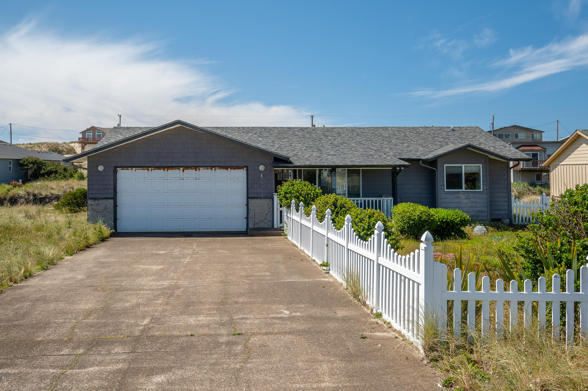 1937 NW Admiralty Cir, Waldport, OR 97394