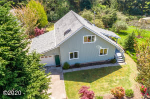 585 NW Estate Dr, Seal Rock, OR 97376 - Aerial view