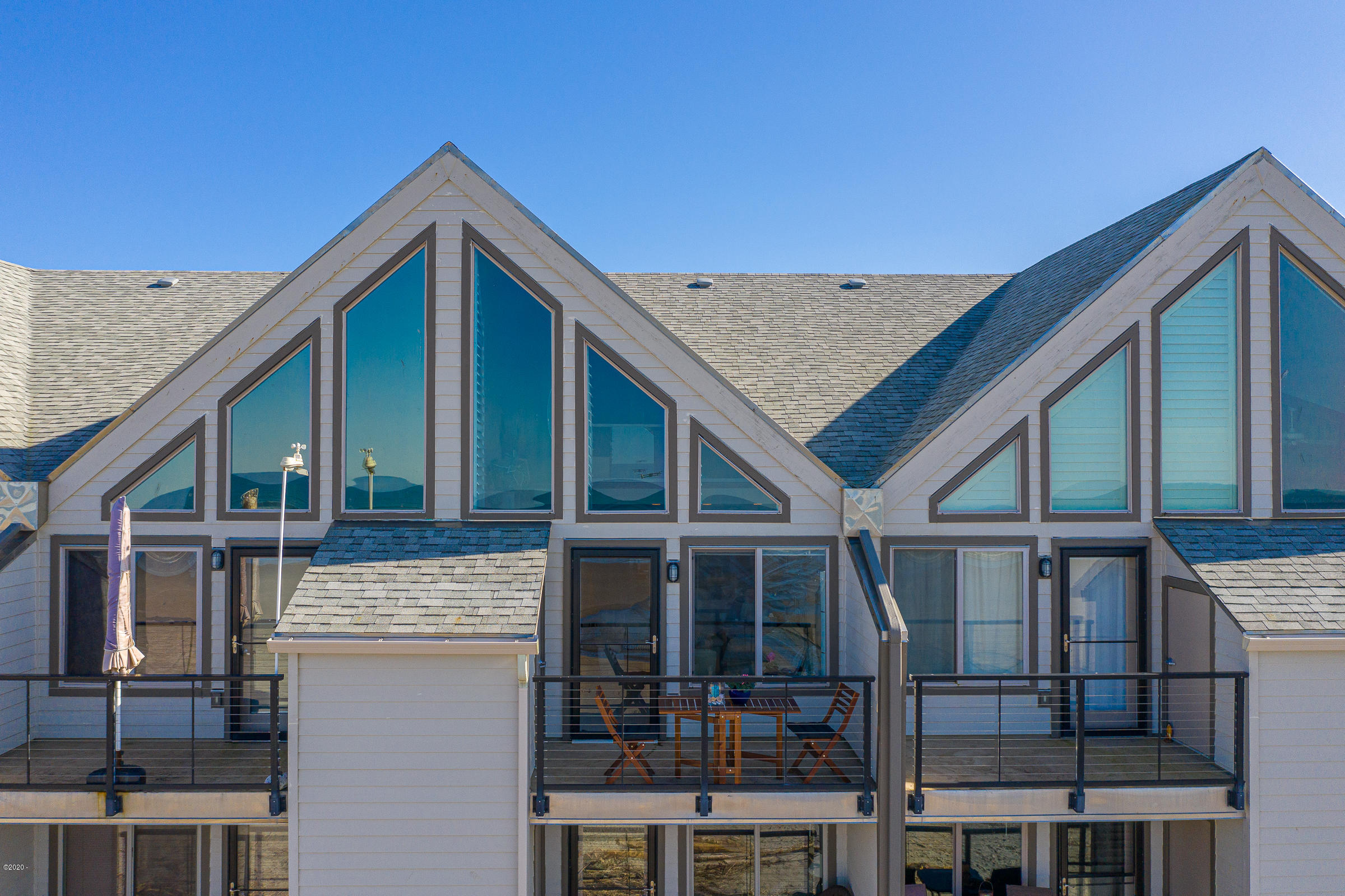 145 N Miller St, 206, Rockaway Beach, OR 97136 - Rock Creek Inn Condominiums
