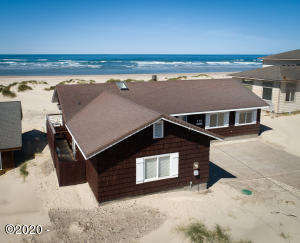 110 NW Oceania Dr, Waldport, OR 97394 - Ocean front
