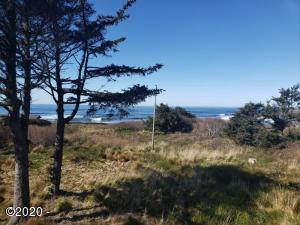 380 SW Village Lane, Yachats, OR 97498 - 2