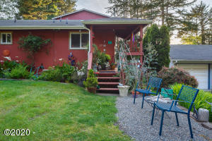 2725 NW Neptune Ave, Lincoln City, OR 97367 - Exterior front