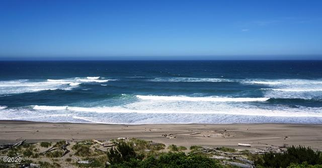 4229 SW Beach Ave, 4, Lincoln City, OR 97367 - Ocean Front Condo