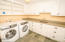 1859 NW 51st St, Lincoln City, OR 97367 - Laundry room
