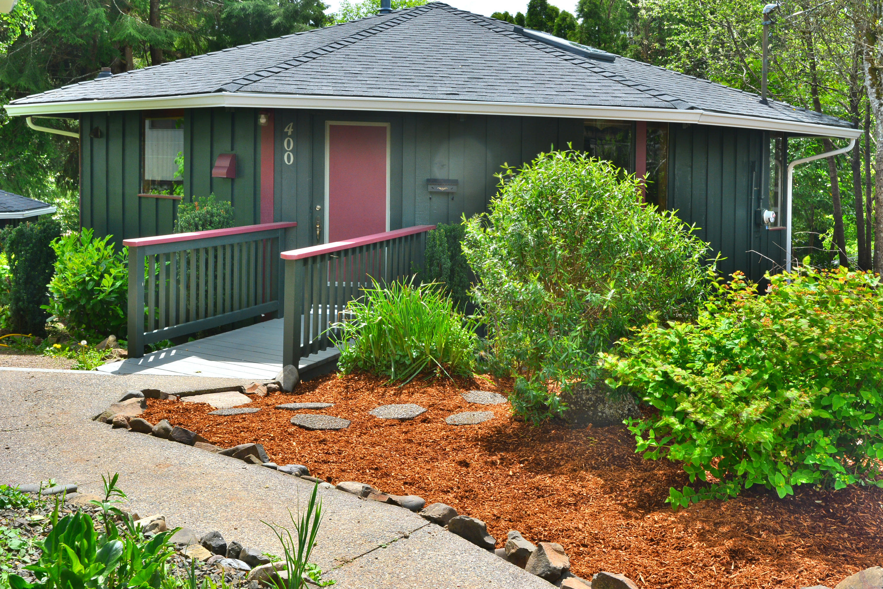 400 N Best View Dr, Otis, OR 97368 - Front of Home Closeup
