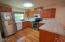 462 NE 5th St, Newport, OR 97365 - Kitchen
