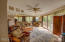 1506 NE Yaquina Heights Dr, Newport, OR 97365 - Living room