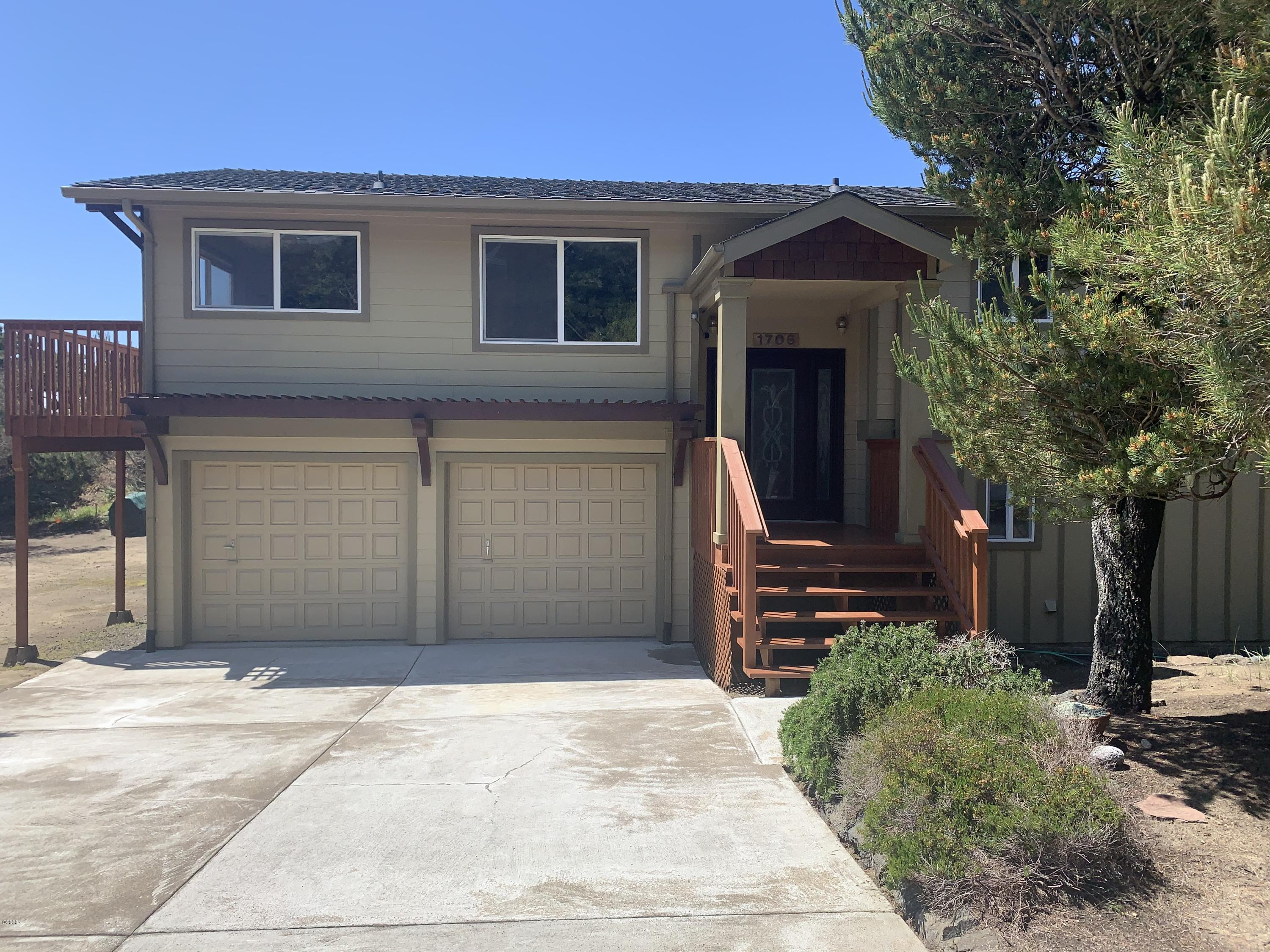 1706 NW Sandpiper Dr, Waldport, OR 97394