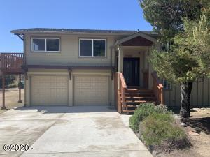 1706 NW Sandpiper Dr, Waldport, OR 97394 - Front
