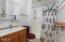 47480 Hillcrest Dr, Neskowin, OR 97149 - Guest bathroom