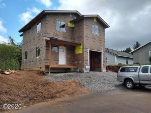 142 N Lagoon Court, Rockaway Beach, OR 97136 - House is taking shape!