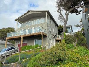 3920 Lincoln Ave, Depoe Bay, OR 97341 - Front view