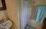 55 SW Coast St, Newport, OR 97365 - Low Step Shower