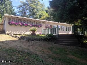 210 N Yodel Ln, Otis, OR 97368 - Main photo exterior