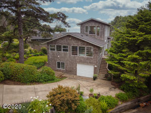 647 Pacific View Dr, Yachats, OR 97498 - 647 P.V.Dr. Front aerial 1