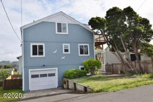 1744 NE 13th St, Lincoln City, OR 97367 - Front view