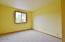 1744 NE 13th St, Lincoln City, OR 97367 - Kitchen storage