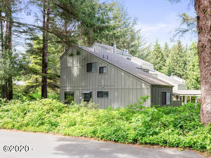 1266 SW Meadow Ln, Depoe Bay, OR 97341 - Exterior