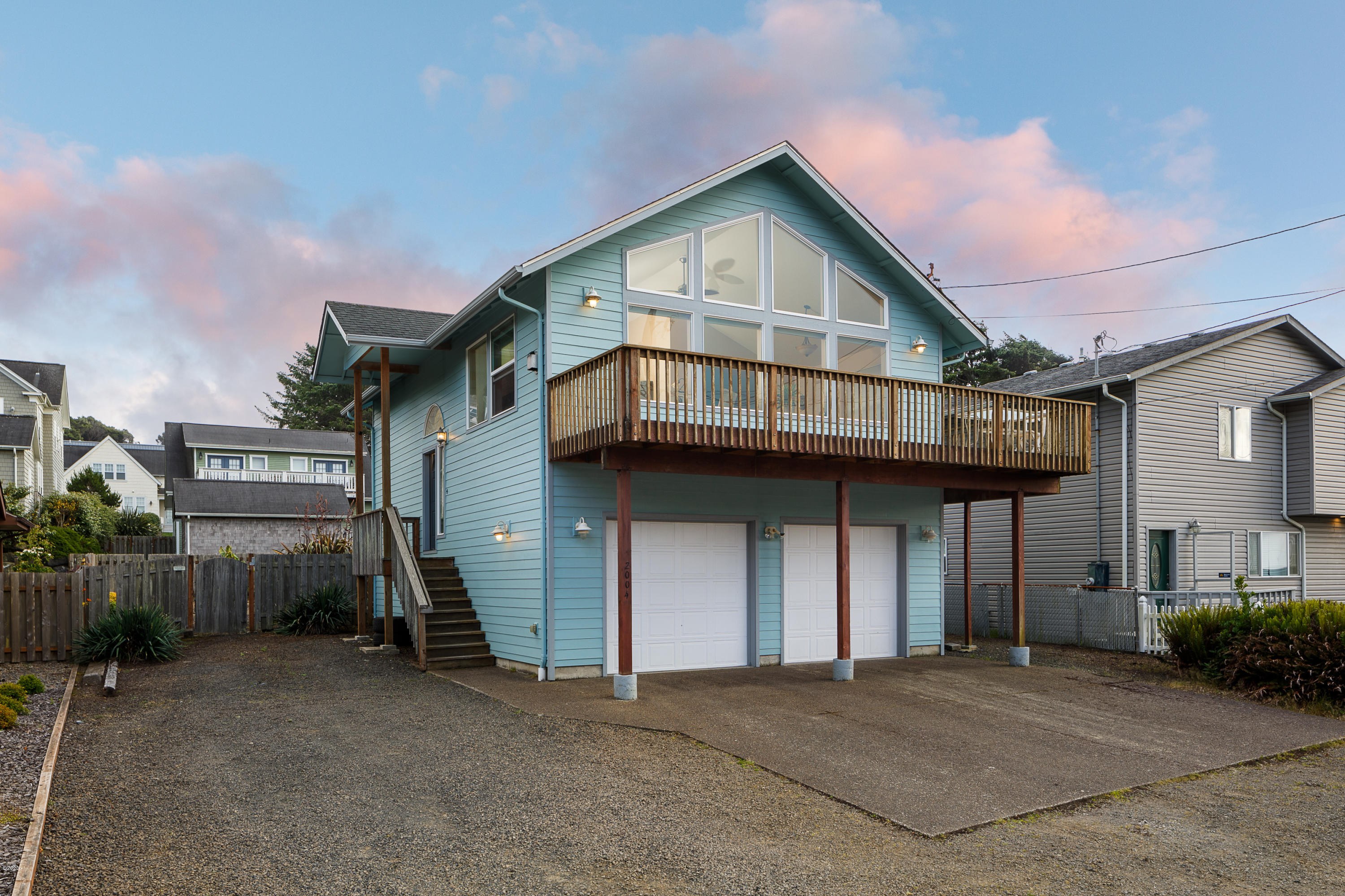 2004 NE 58th St, Lincoln City, OR 97367 - Front of House