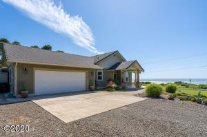 3385 SW Pacific Coast Hwy, Waldport, OR 97394 - Exterior