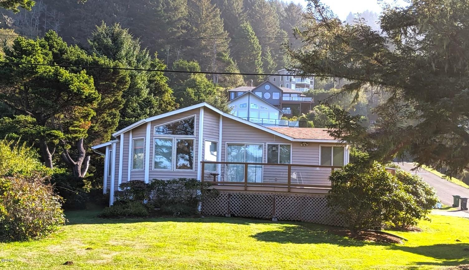261 Hill Ct, Yachats, OR 97498 - 261 Hill Court From The West
