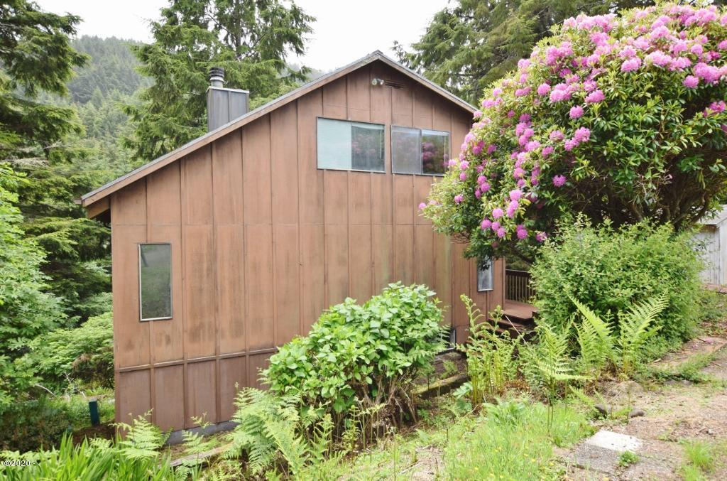50105 South Beach Rd, Neskowin, OR 97149 - Front
