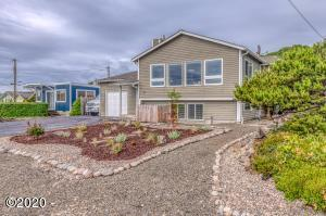 5460 El Mundo Ave, Lincoln City, OR 97367 - Contemporary elegance with beach access