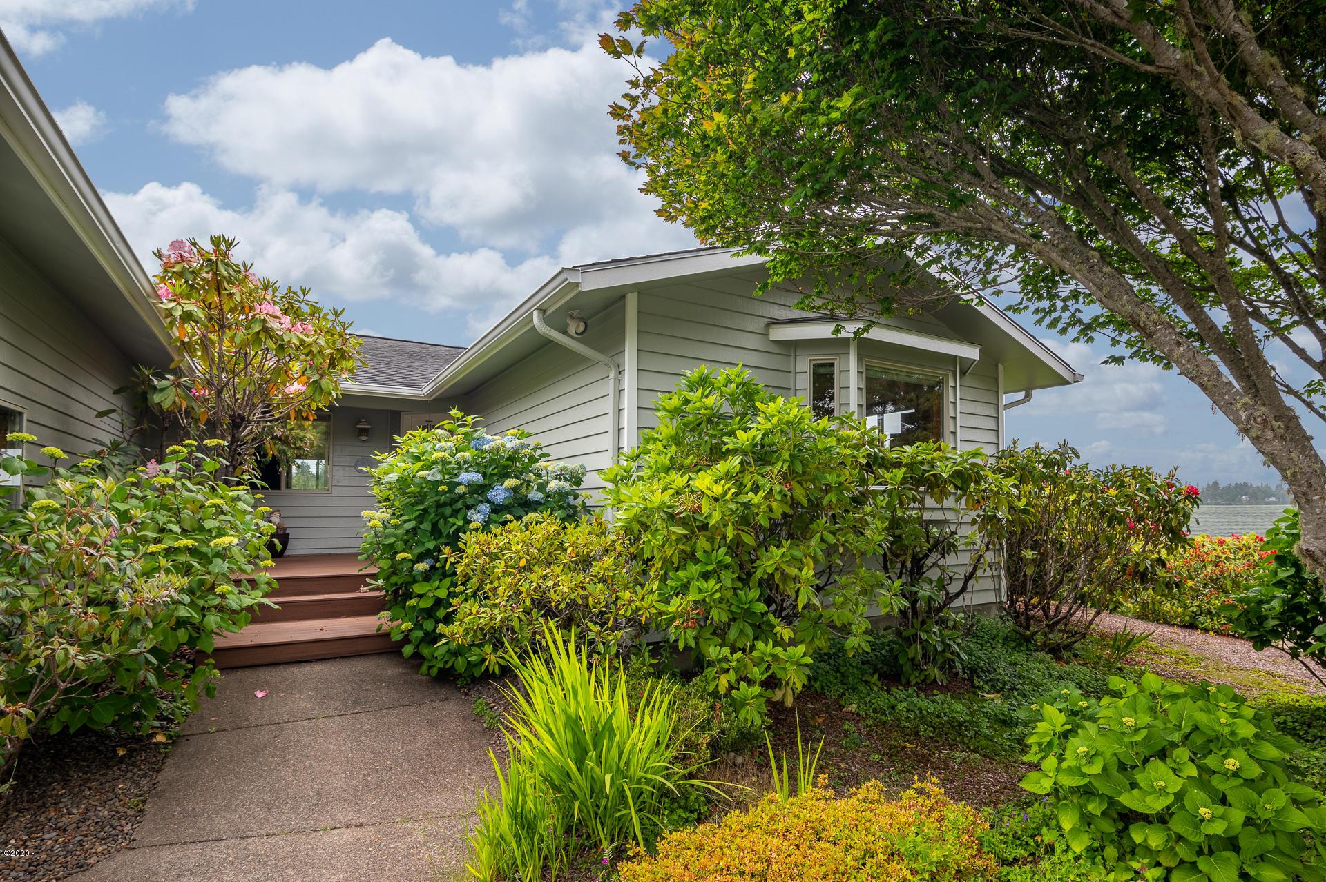 430 SW Overlook Dr, Waldport, OR 97394 - _NZ66914-HDR-Edit-RMLS