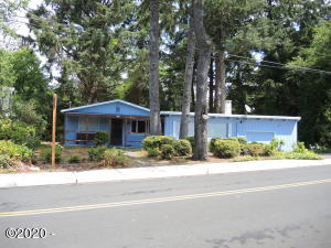 1705 NW 22nd Street, Lincoln City, OR 97367 - DSCN2843