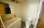 1918 NE Spindrift Ct, Lincoln City, OR 97367 - Master Bathroom