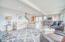302 N Hwy 101, Depoe Bay, OR 97341 - Living room