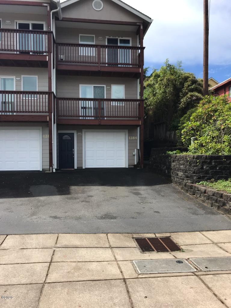 1284 NW 15th St., Lincoln City, OR 97367 - Front of Unit
