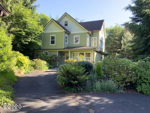30 Stone Bridge Ct, Yachats, OR 97498 - Front of home
