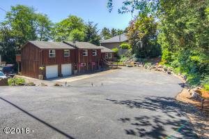 258 NE 9th St, Newport, OR 97365 - From Benton St