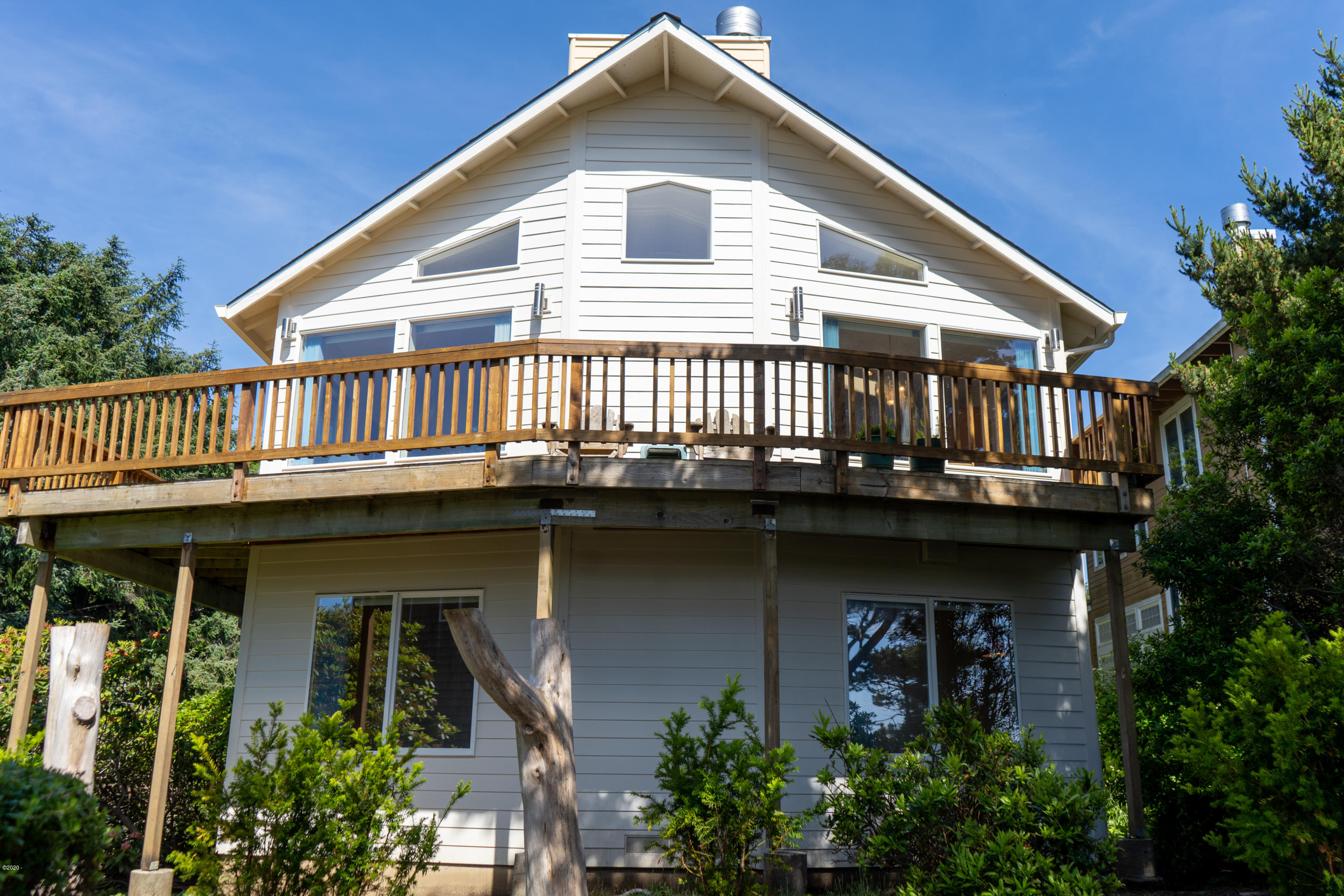 6240 NE Neptune Drive, Lincoln City, OR 97367 - 6240 Neptune Dr. from diriveway