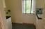 30 Stone Bridge Ct, Yachats, OR 97498 - Laundry room